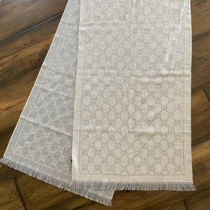 NEW Gucci Scarf Wool Gray